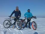 На фэт-байках по льду Киевского моря